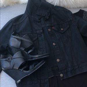 Levi's dark denim jeans jacket.
